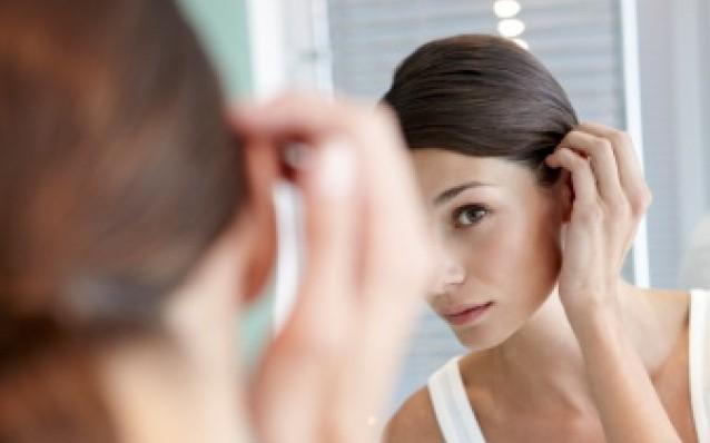Mezzi per trattamento di risposte di capelli