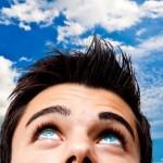 I capelli ricrescono 'guardando il cielo'……
